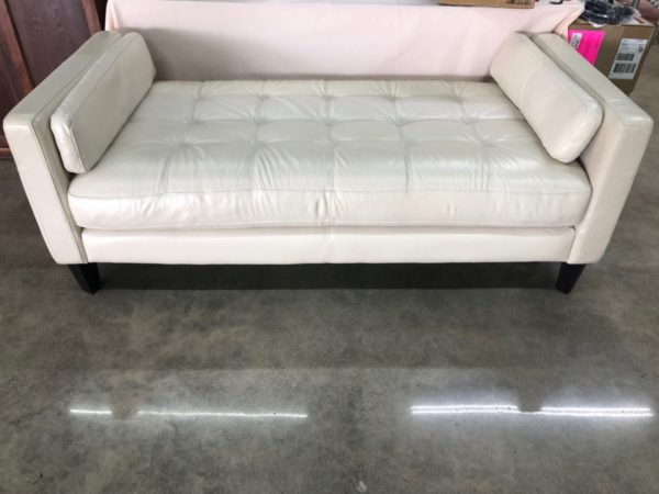 Pearl Day Bed